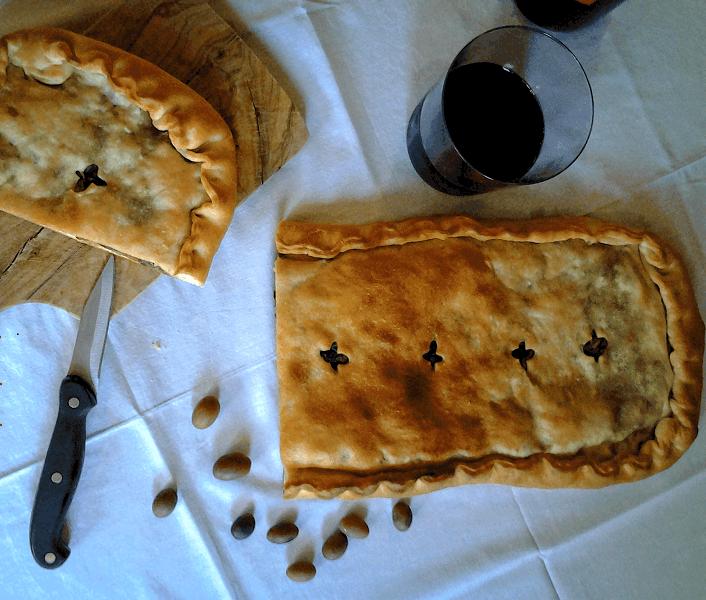 Pizza di indivia riccia ed olive taggiasche