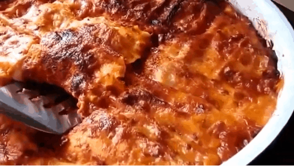 Lasagna con salsa Mutti alla Bolognese