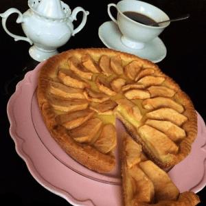 Crostata di mele e crema al profumo d' arancia