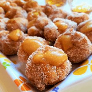 Bignole fritte alla crema di zabaione